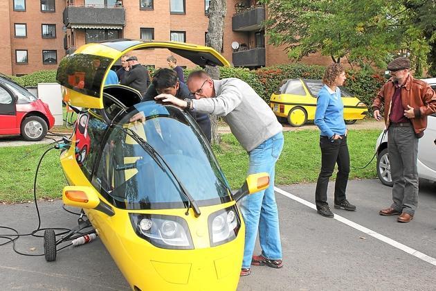 Elektroautoschau-im-Rahmen-der-Mobilitaetswoche-auf-dem-Rathausplatz-Ohne-Sprit-auf-leisen-Sohlen_image_630_420f_wn
