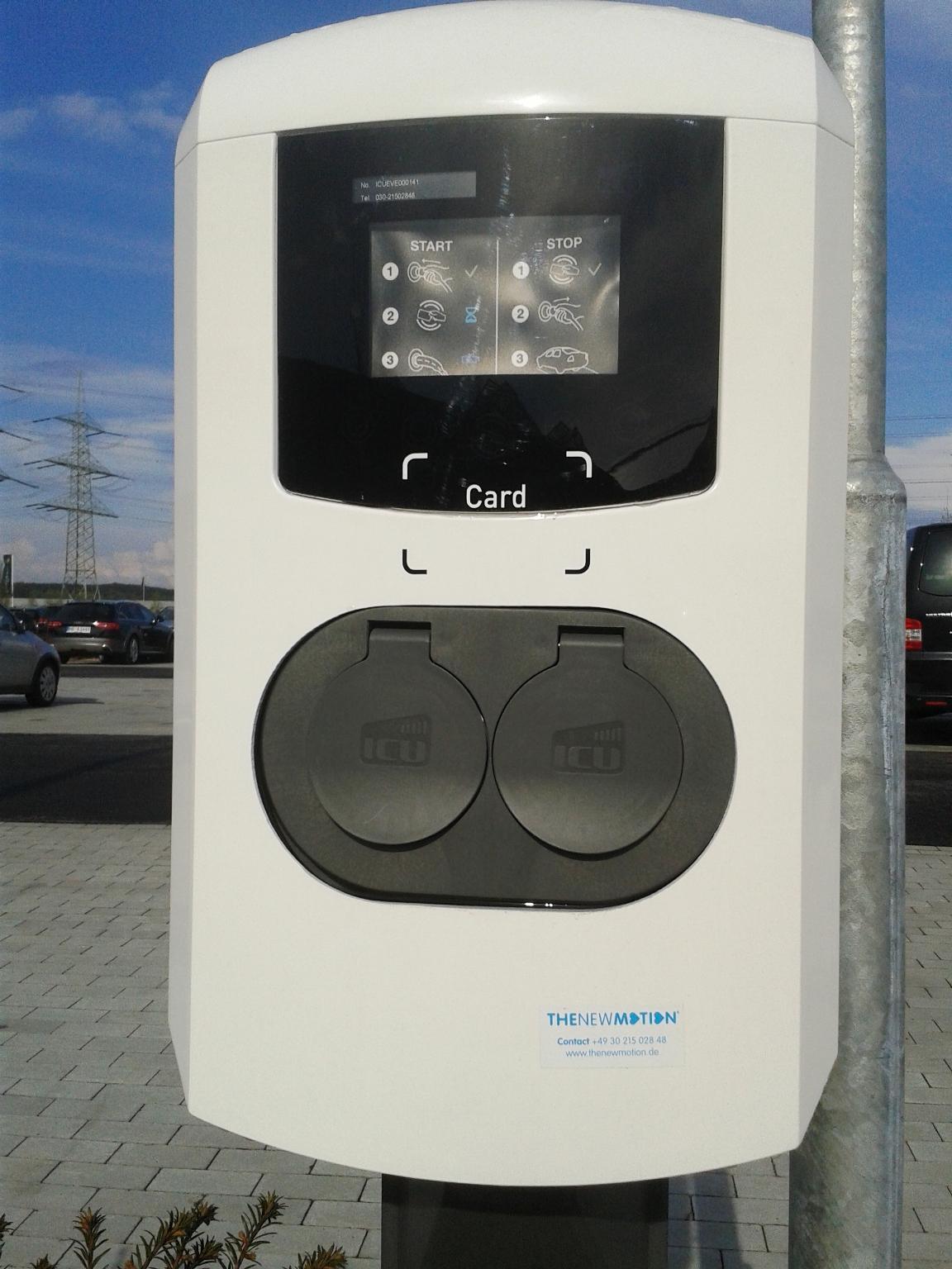 TheNewMotion - Ladestation in Emsbüren mit Typ2-Steckdosen. Mit Kundenkarte freizuschalten.