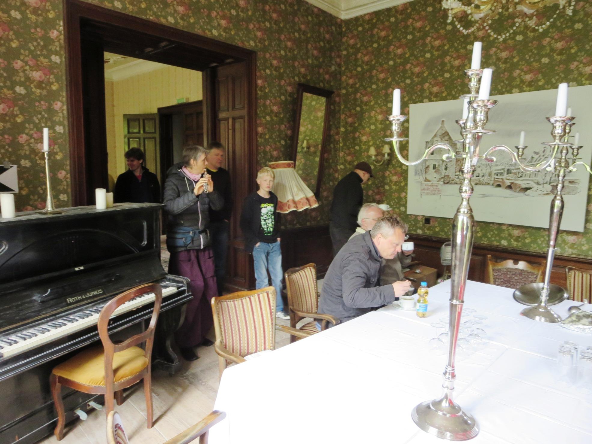 Flötenmusik zur Erbsensuppe, im Schloss Senden war aufgetischt.
