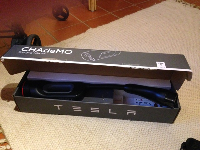 DC-DC-Adapter von CHAdeMO auf Tesla