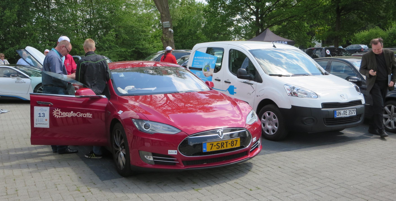 Die Teslas bilden eine eigene Kategorie, sie sind konkurrenzlos.