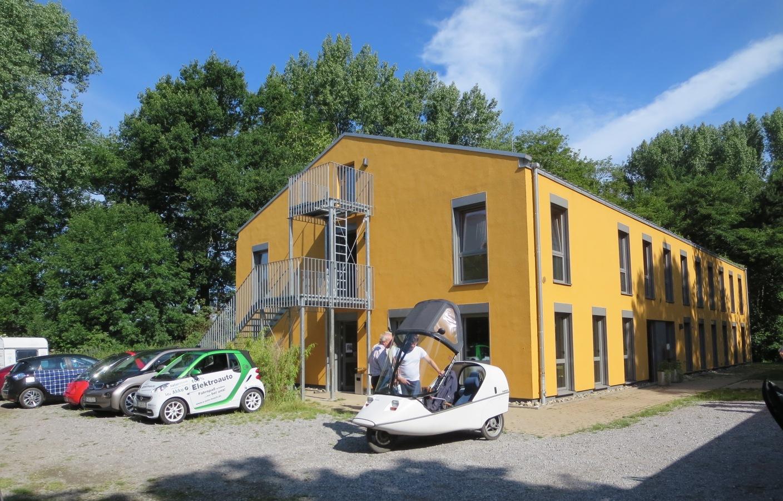 Das Gästehaus des Ökologiezentrums Bergkamen war ein hervorragendes Fahrerlager, auch der Strom hat immer gereicht.