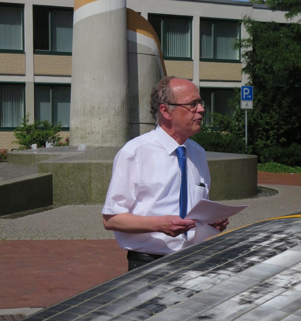 Stellv. Büärgermeister Arno Feller begrüßt die ISOR-FahrerInnen als Stammgäste in Lünen.
