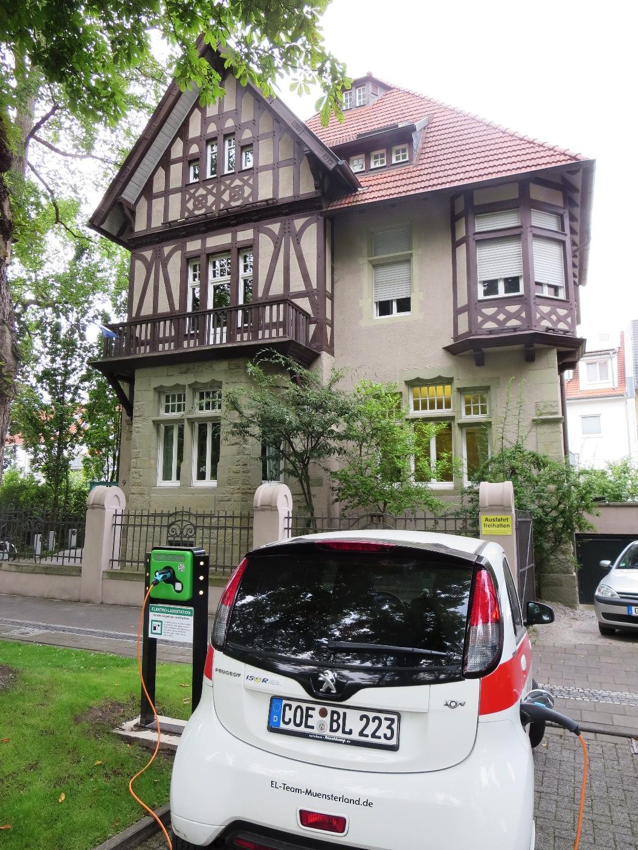 Direkt an der Lippe am  Eingang zur historischen Altstadt liegt die Kanzlei von Engemann und Partner, die sich auch auf Fragen zu regenerativen Energien spezialisiert hat.