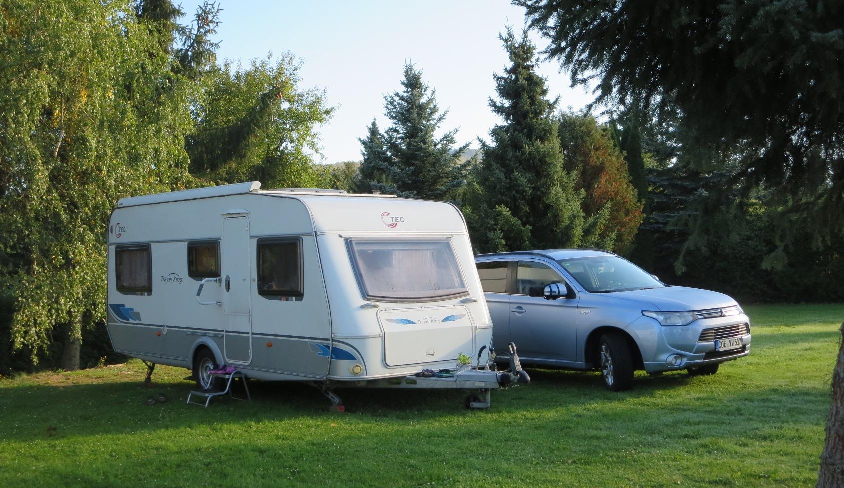Unser Gespann: 1,5 t Wohnwagen und 2,5 t Zugwagwen