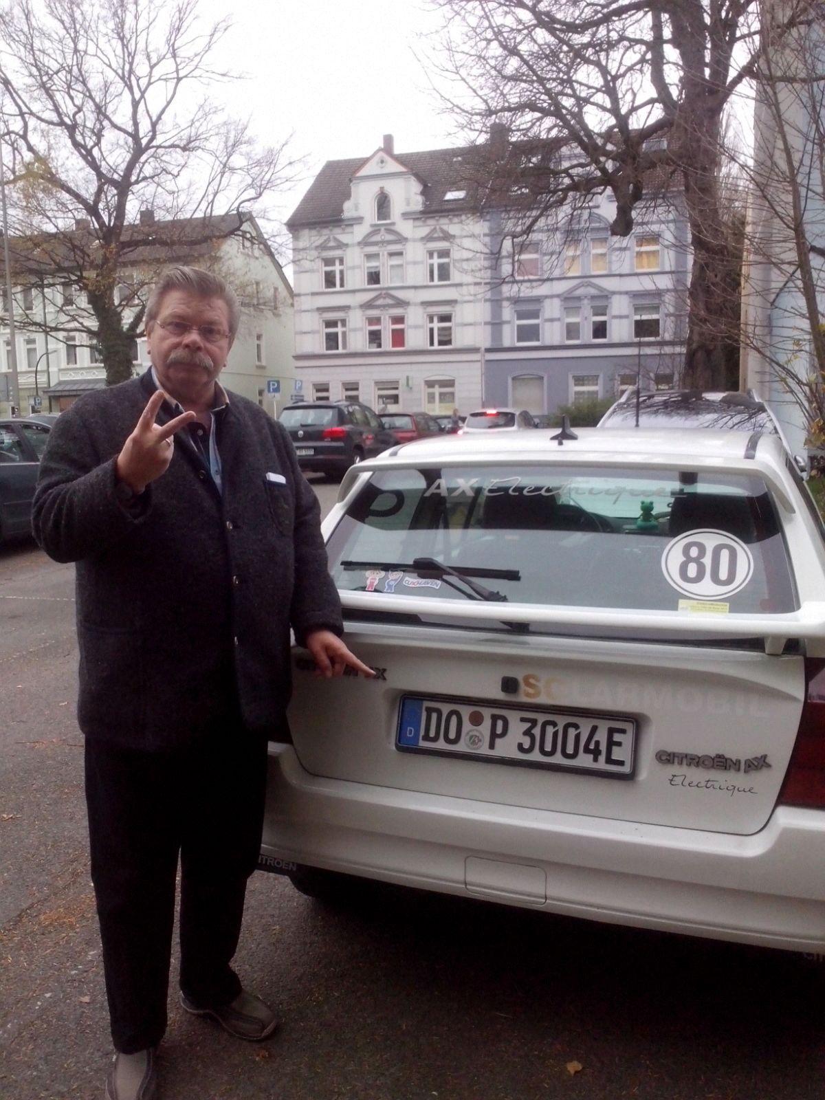Das erste E-Kennzeichen holte sich Gerd in Dortmund