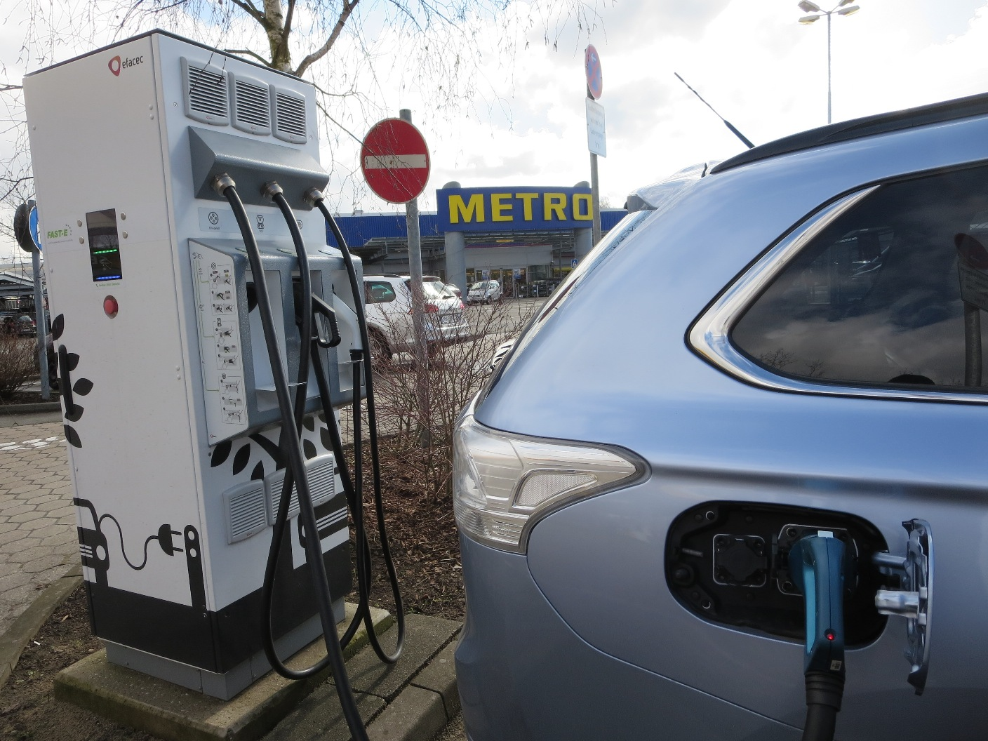 CHAdeMO bei Metro in Harburg, TNM nimmt 36 Ct pro Minute